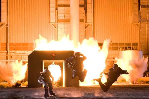 17_compound-explosion-close