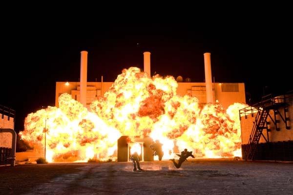 8_compound-explosion